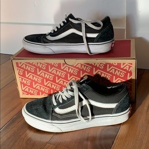 Boys Vans sneakers in black and white
